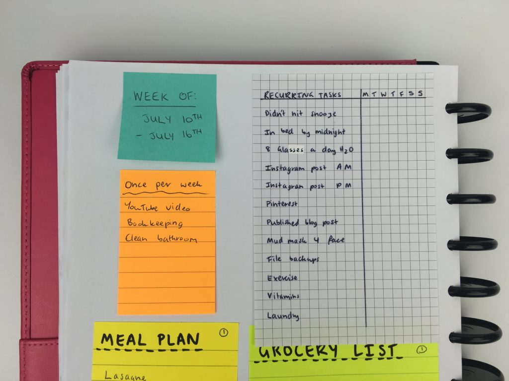 using sticky notes for weekly planning habit tracking spread ideas color coding productivity tips free printable diy-min