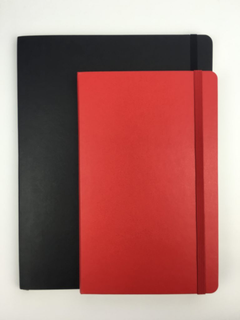 moleskin a5 weekly planner review minimalist gender neutral small size horizontal week on 2 pages monday start comparison to medium size