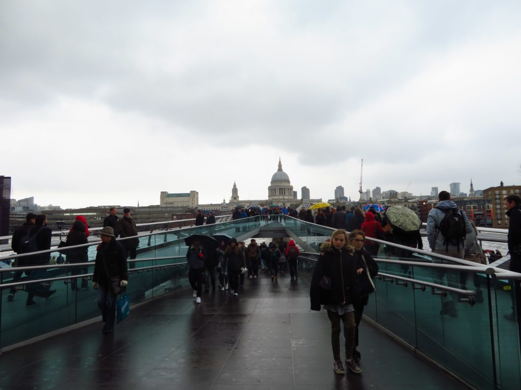 Millenium bridge london iconic photo spots central st pauls cathedral photography spring weather