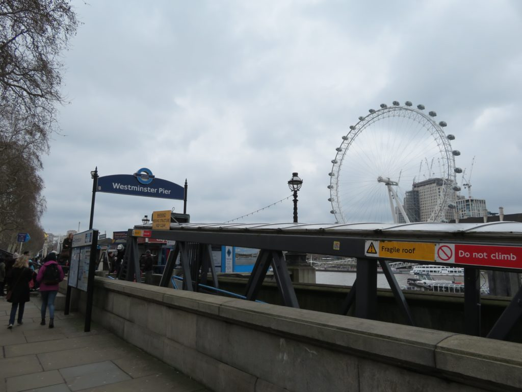 London river cruise is it worth it? sightseeing must see and do boat tour