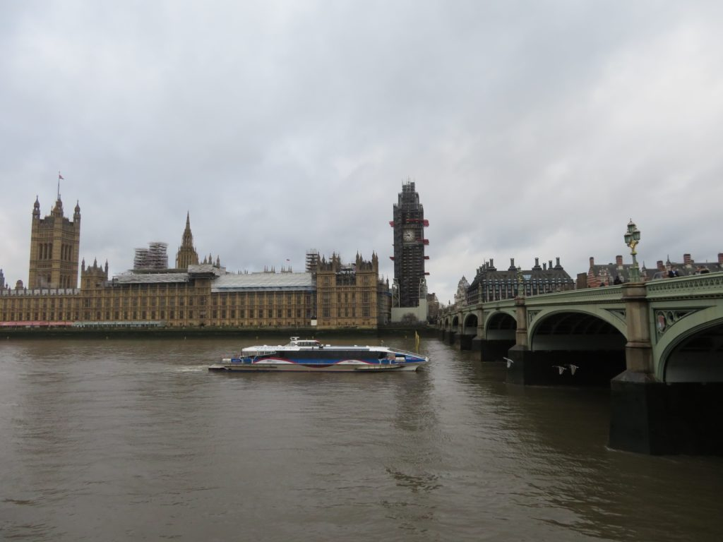 London iconic photo spots big ben westminister houses of parliament things to see and do