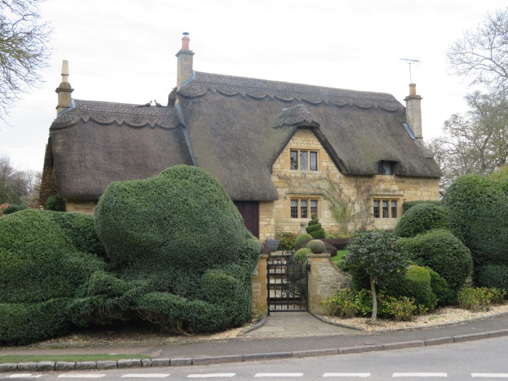 go cotswolds tour review bourton on the water quaint english village countryside london day trip