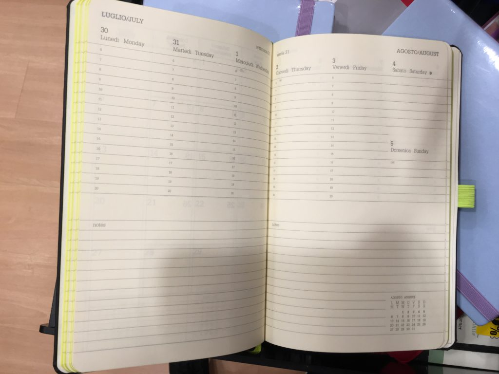 la feltrinelli stationery shop planner supplies rome shopping recommendations moleskine weekly planner diary agenda where to buy ivory collection minimalist planner