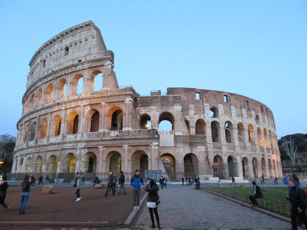 colosseum photo spots rome tips ideas best time of day to visit without crowds