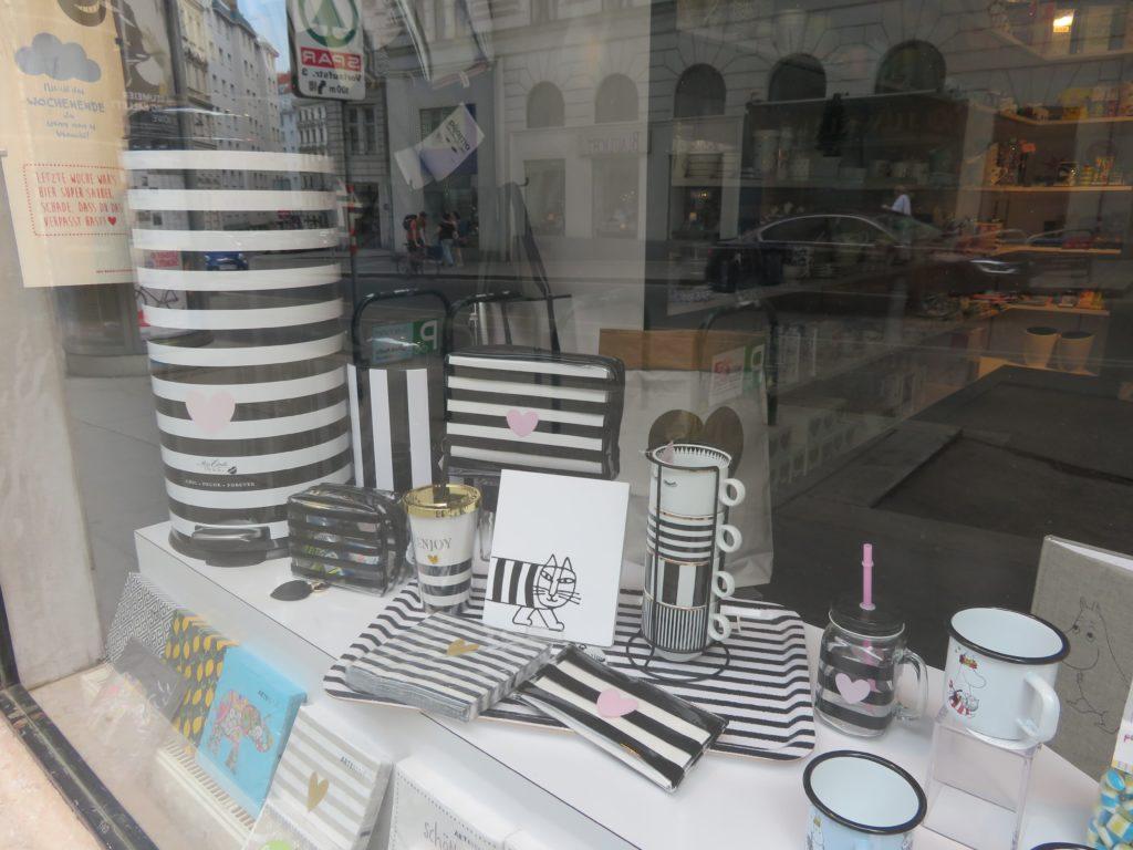 cv design stationery shop austria wien planner supplies roundup notebook pen accessories homewares-min