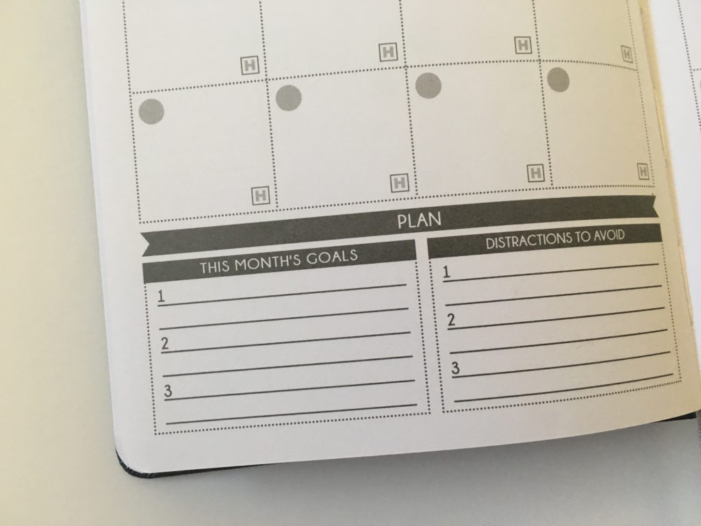 panda planner review monthly top 3 goals review accountability blogging blog life 2 pages per day lots of room undated