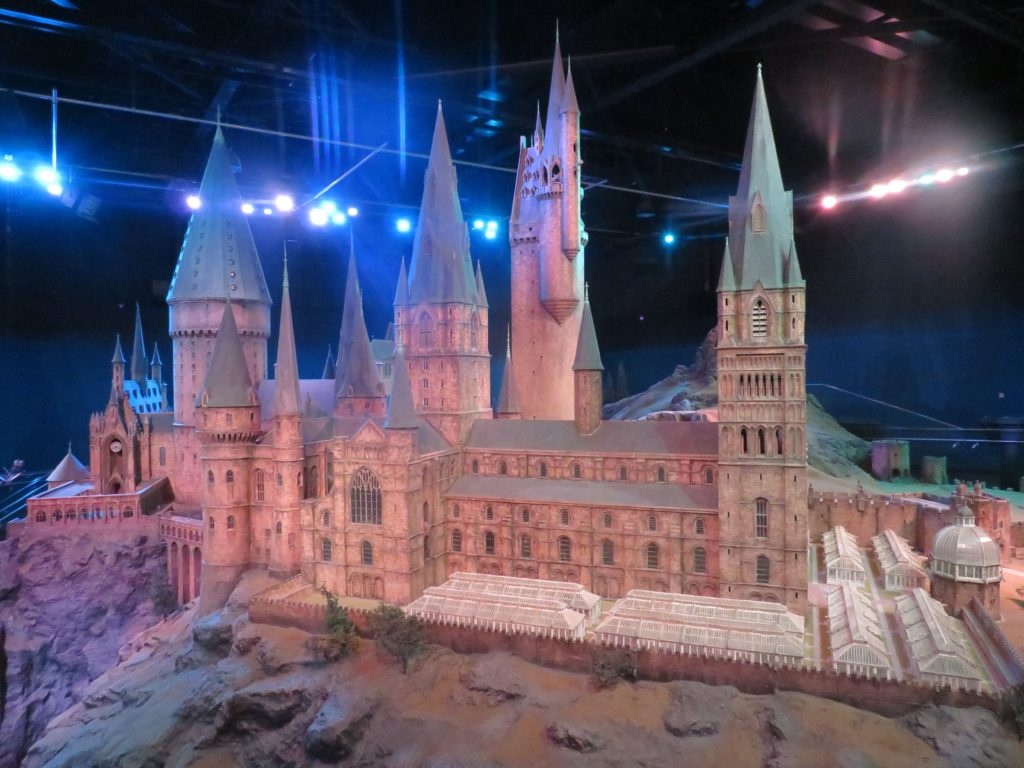 harry potter warner brothers london studio tour hogwarts castle replica