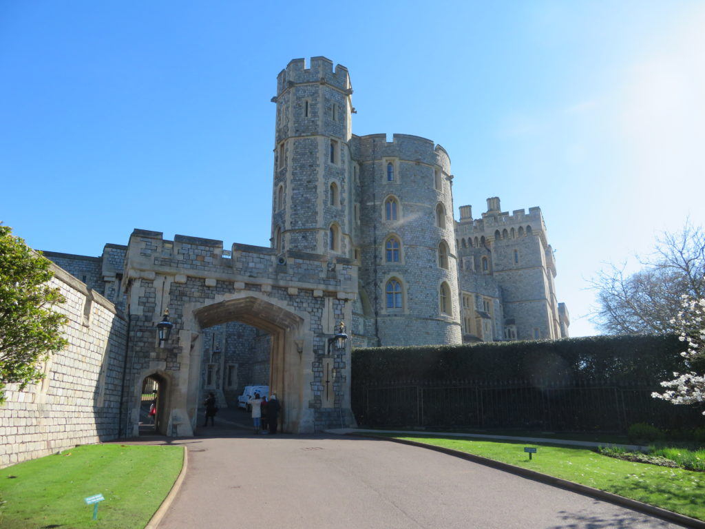 Windsor castle day trip tour how to get there worth the money tips