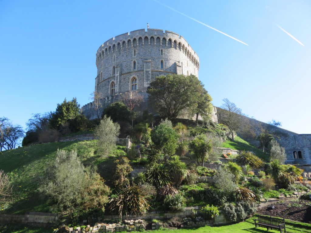Windsor castle visit from london day trip organized tour versus train directions
