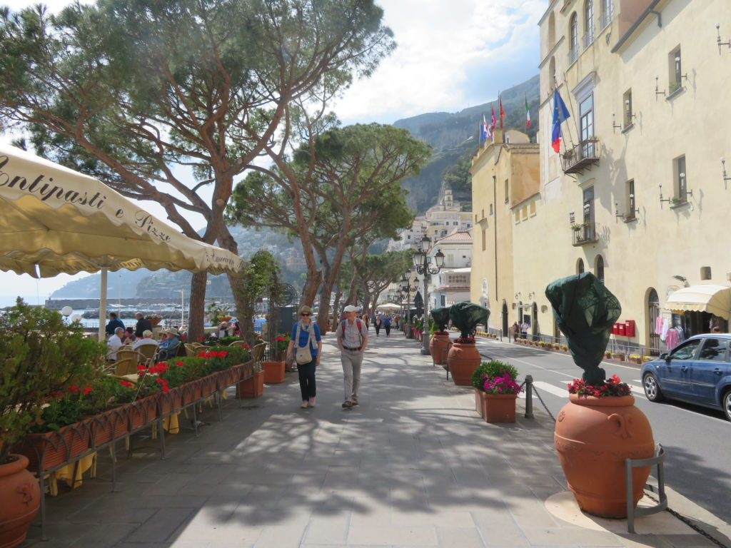 amalfi coast italy things to see and do itinerary how to get there