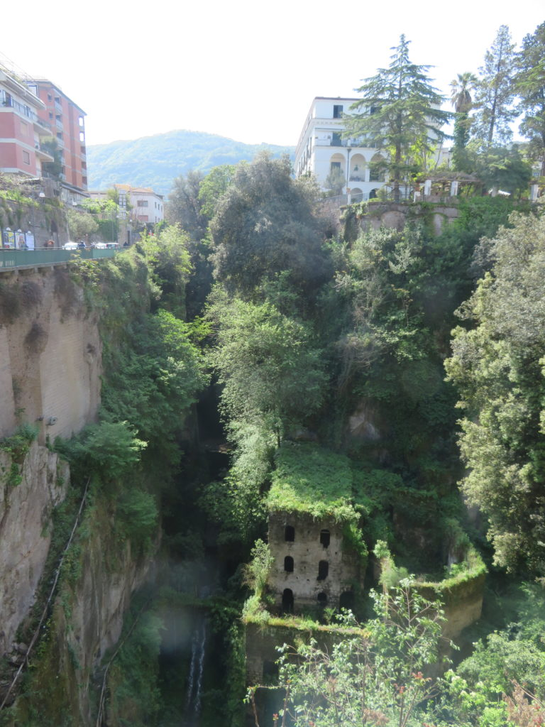 Vallone dei Mulini ruins in sorrento itinerary 1 day things to see and do itinerary