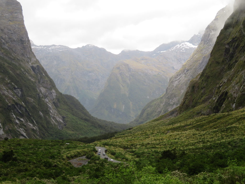 Milford Sound New Zealand scenic drive self drive itinerary day trip photo spots to stop at