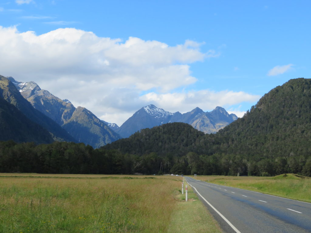 eglinton flats new zealand south island road to Milford Sound day trip photo stops must see and do