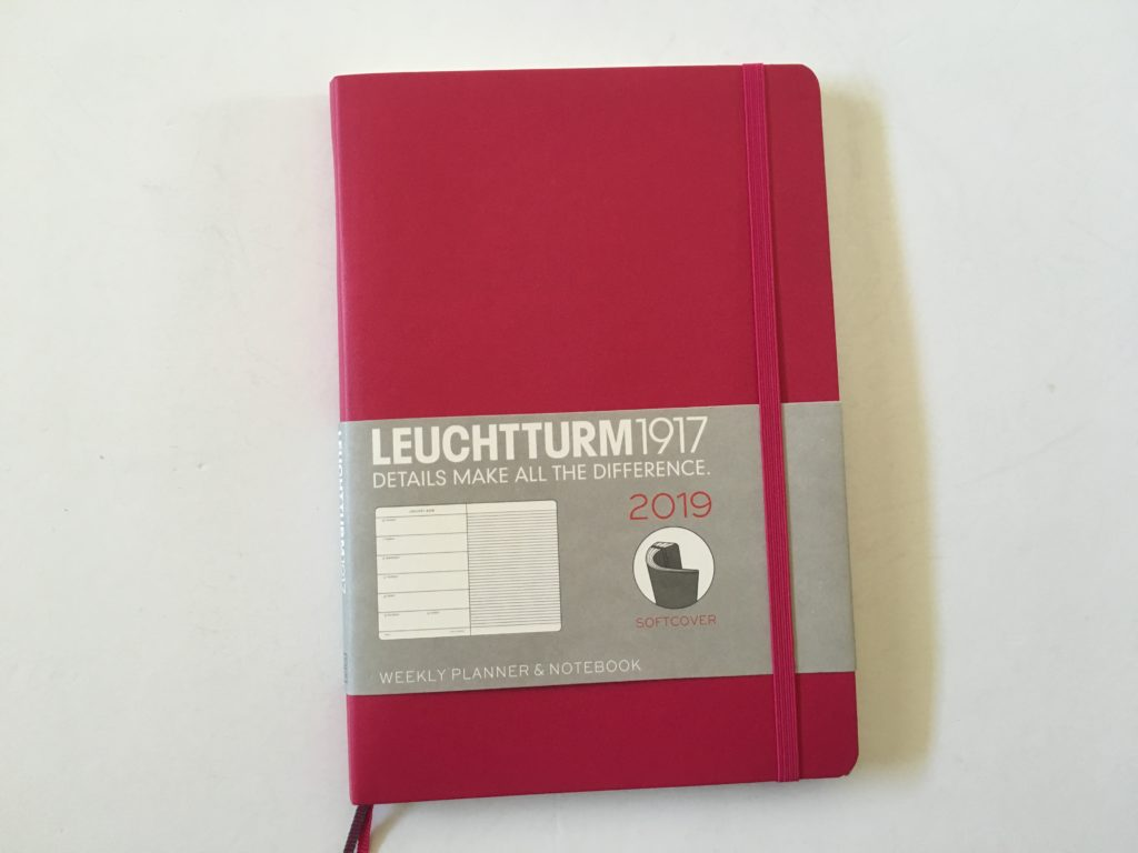 Leuchtturm 1917 Weekly Planner Review (Pros, Cons and Pen Test)