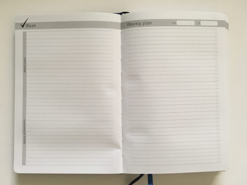 lion planner review weekly minimalist simple pros and cons sewn bound lined undated gender neutral