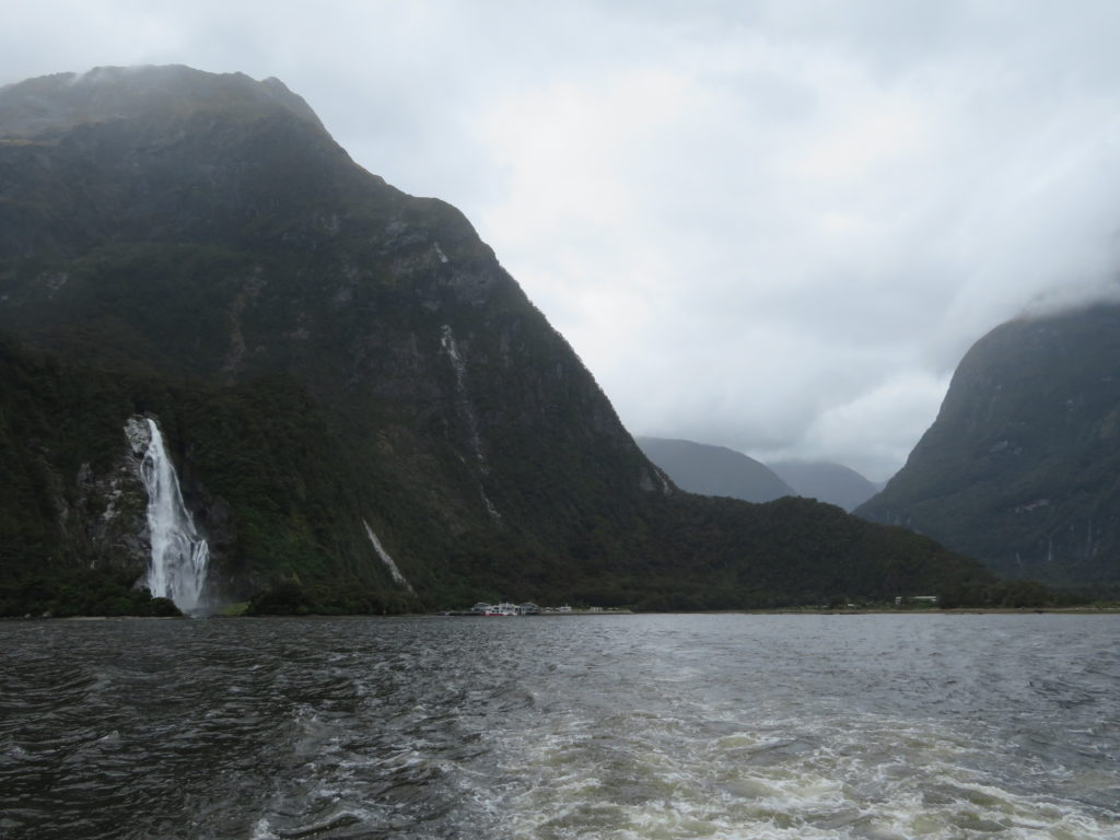 milford sound day trip self drive from te anau itinerary summer season