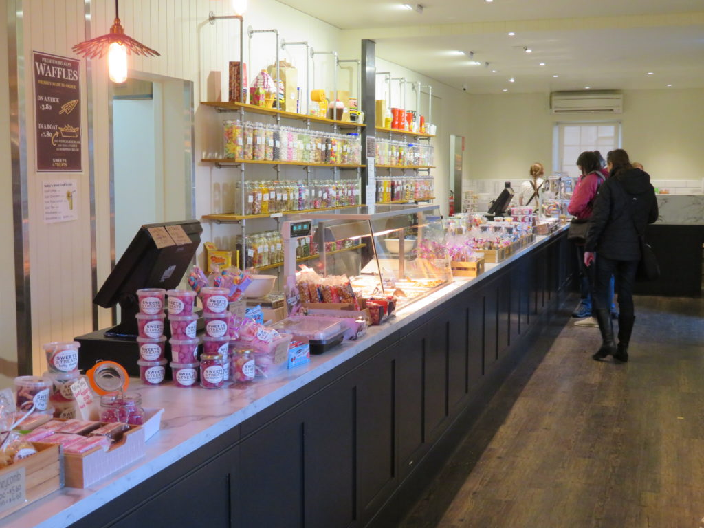 Richmond sweet shop things to see and do heritage highway in Tasmania