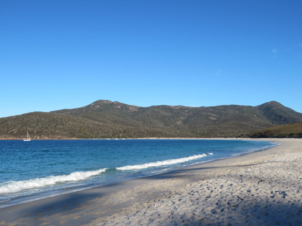 wineglass bay beach how to get there walking trail tasmania itinerary self drive must see and do