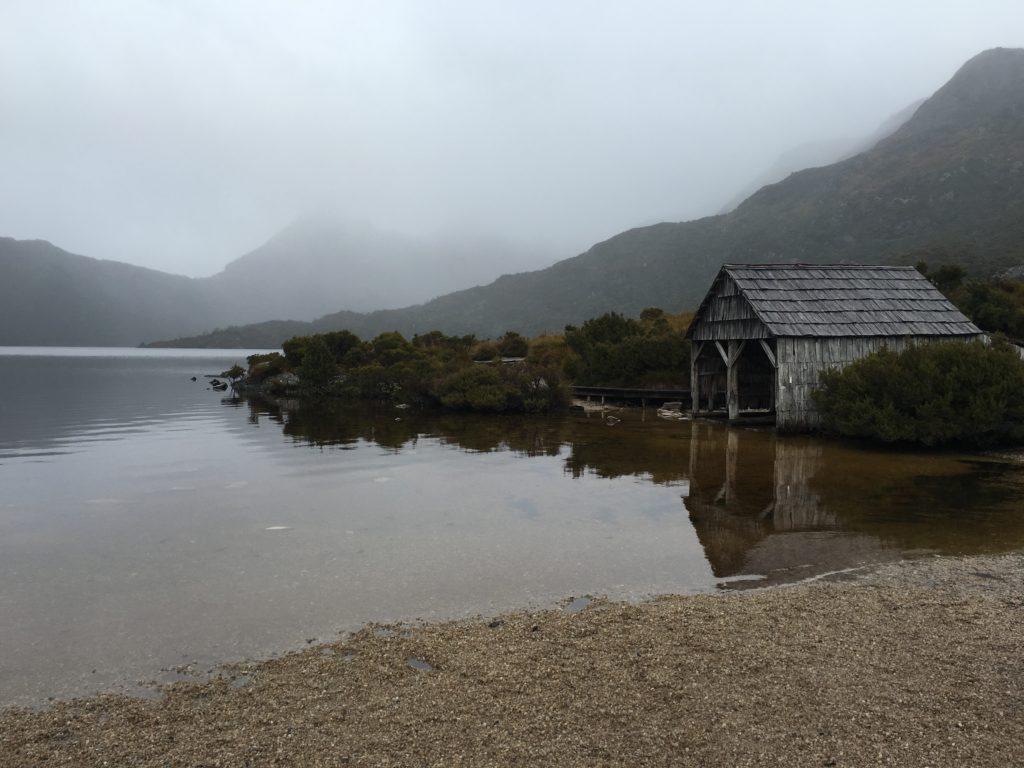 dove lake crade mountain tasmania photo spot walking trail april rainy weather
