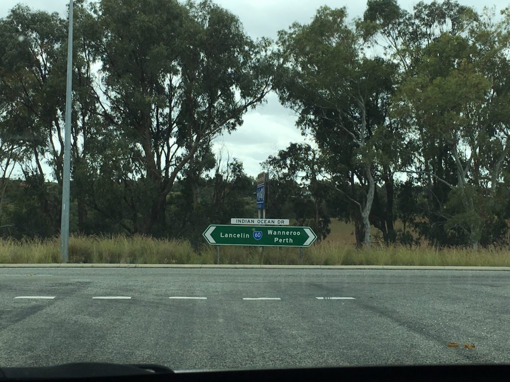 Driving to the Pinnacles from Perth western australia things to see and do self drive itinerary