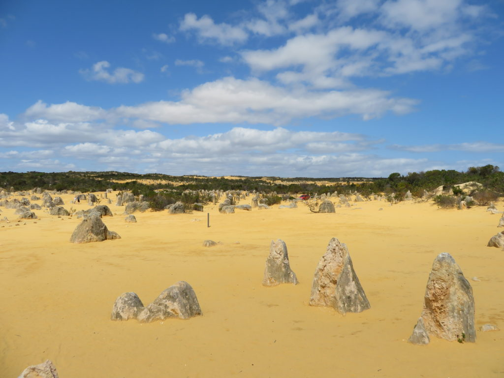 The Pinnacles desert self drive itinerary tips schedule guide to visiting