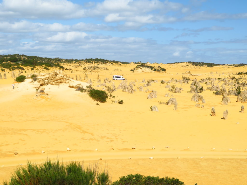 what to see in western Australia visit Australia the pinnacles desert self drive itinerary from Perth