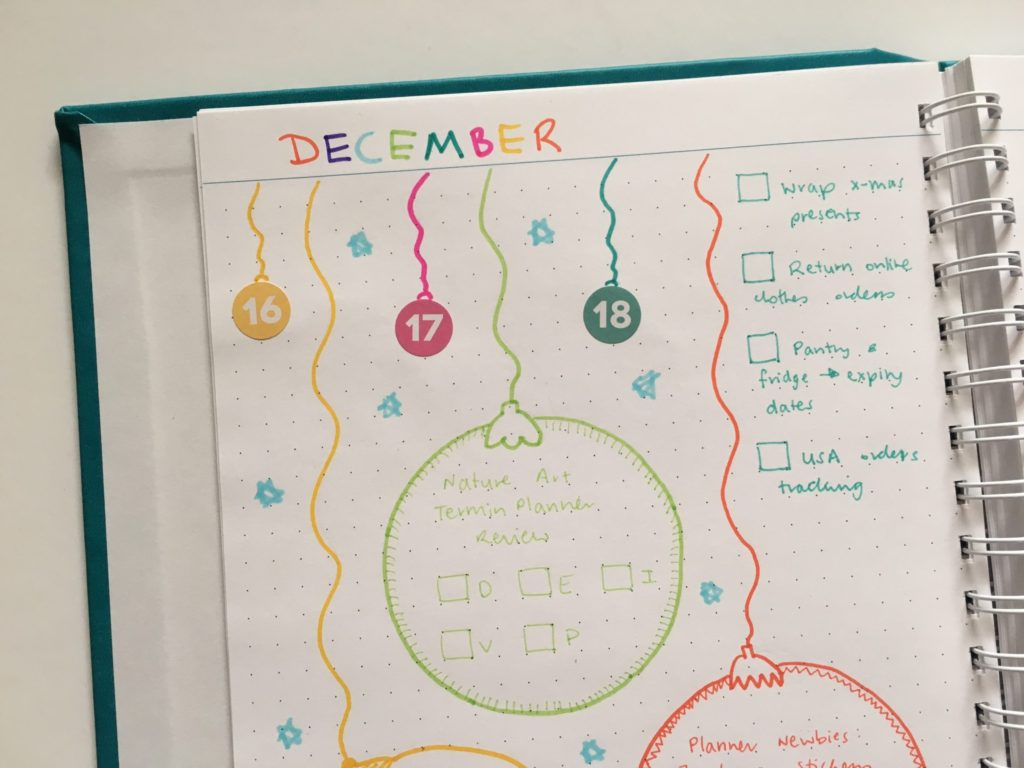 christmas theme weekly spread rainbow colorful ornaments baubles doodle decorative blogging