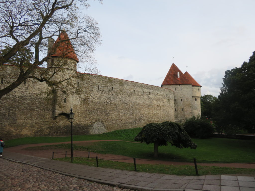 tallin old town walls estonia easten europe things to see and do photospots where to eat