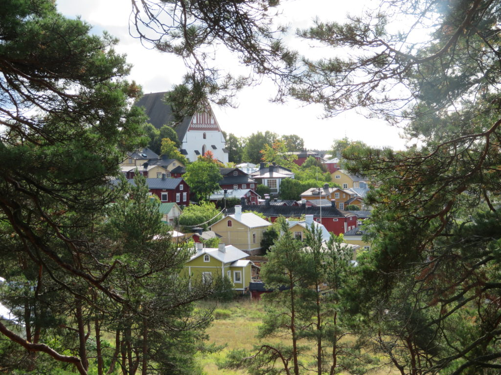 porvoo day trip from helsinki finland in autumn things to see and do how to get there which local bus to take how much things to see and do best lookouts viewpoints