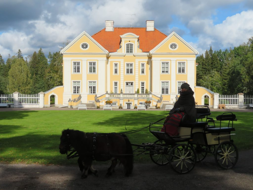 Palmse manor estonia day trips from tallin to Lahemaa national park
