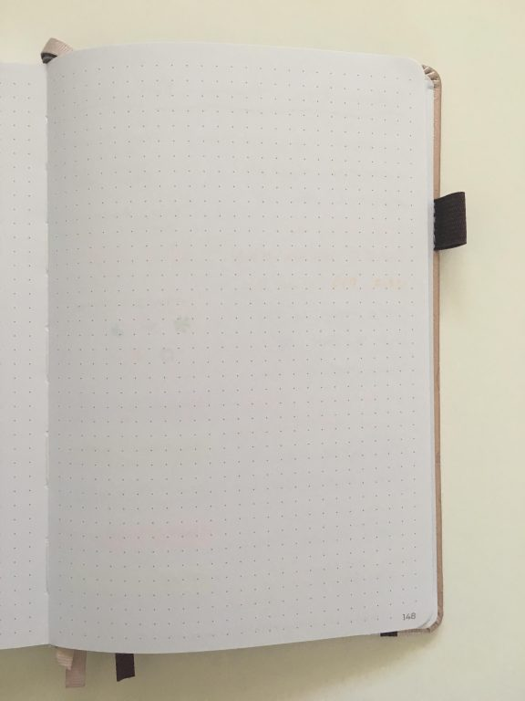 clever fox dotted journal notebook review dot grid notebook sewn bound bright white paper rose gold cover affordable no ghosting bleed through paper_01