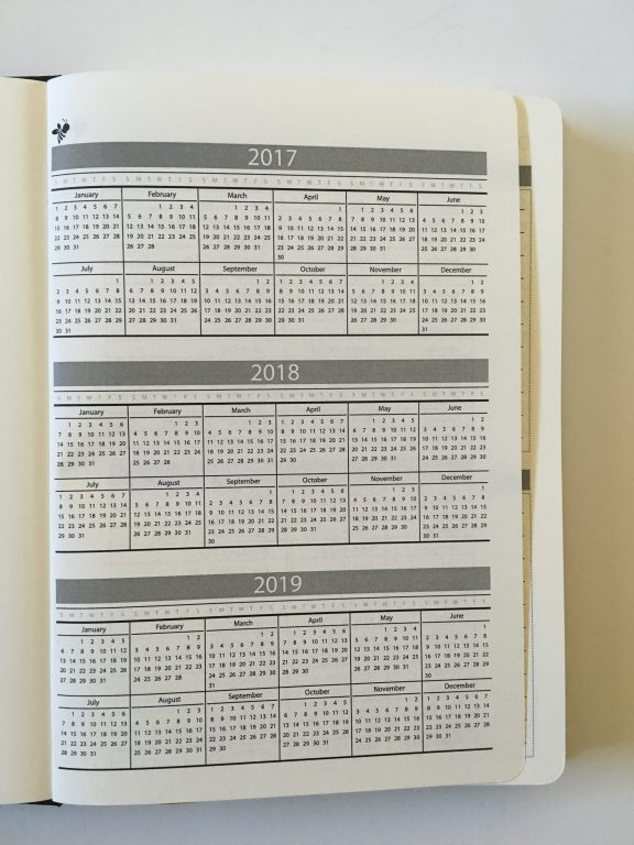 happy bee planner review weekly monthly undated vertical hourly layout 5am to 11pm schedule lined monthly calendar video flipthrough_05