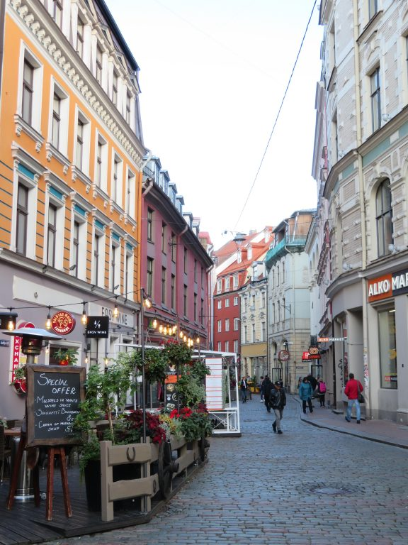 Riga photospots side streets things to see and do best photography locations autumn september latvia