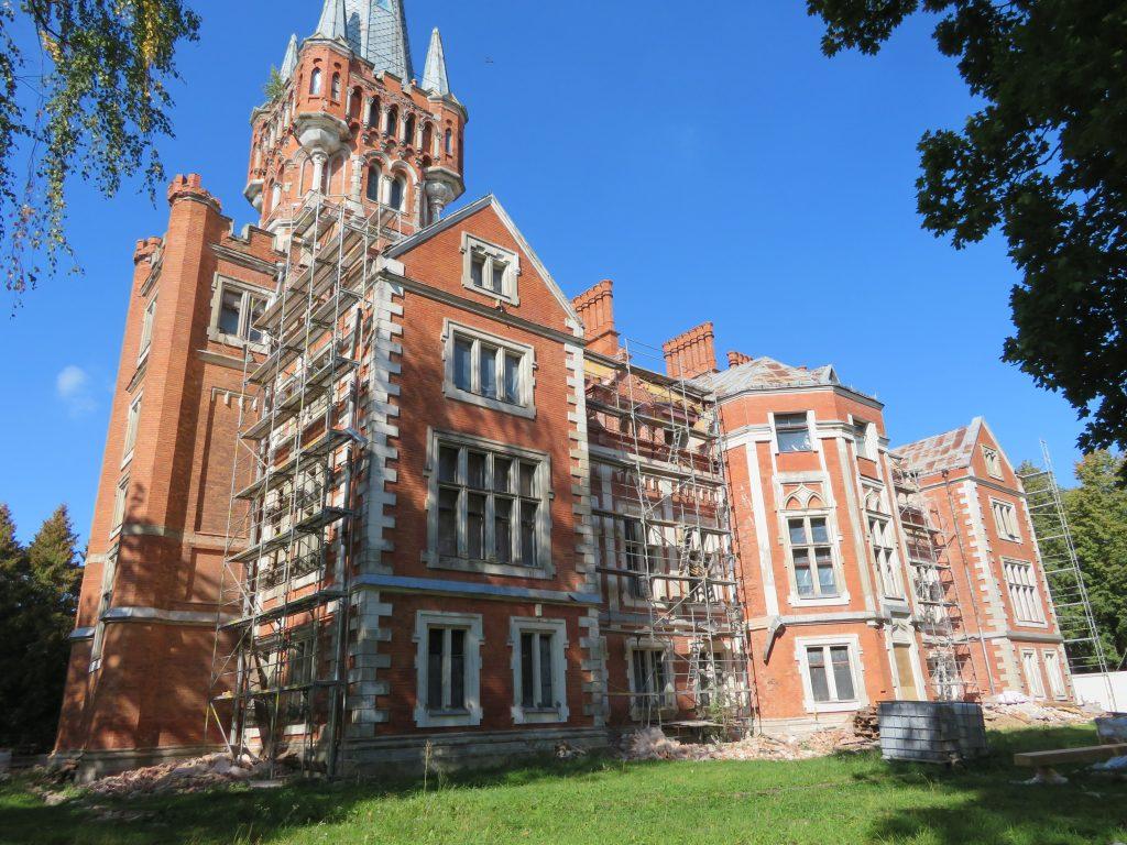 Count Tyszkiewicz Lentvaris Manor abandoned lithuania restoration