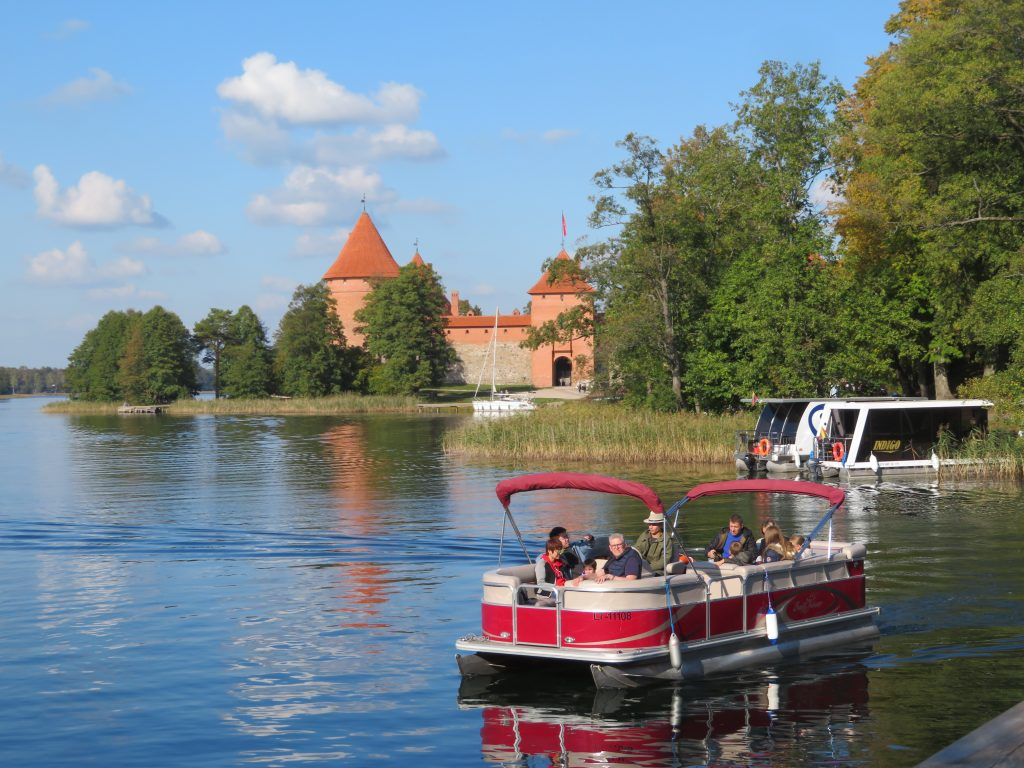 Trakai castle half day trip from vilnius lithuania thi