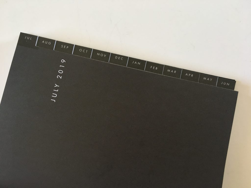 kikki k horizontal weekly planner review monday start lined unlined minimalist hardcover sewn bound 2 pages spread vertical list monthly calendar_06