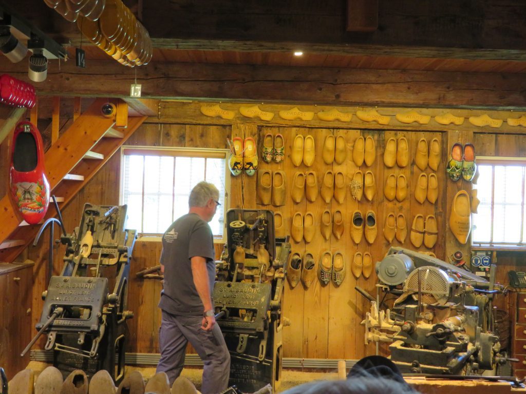 holland zaanse schans day trip from amsterdam via train diy half day october things to see and do itinerary clog workshop