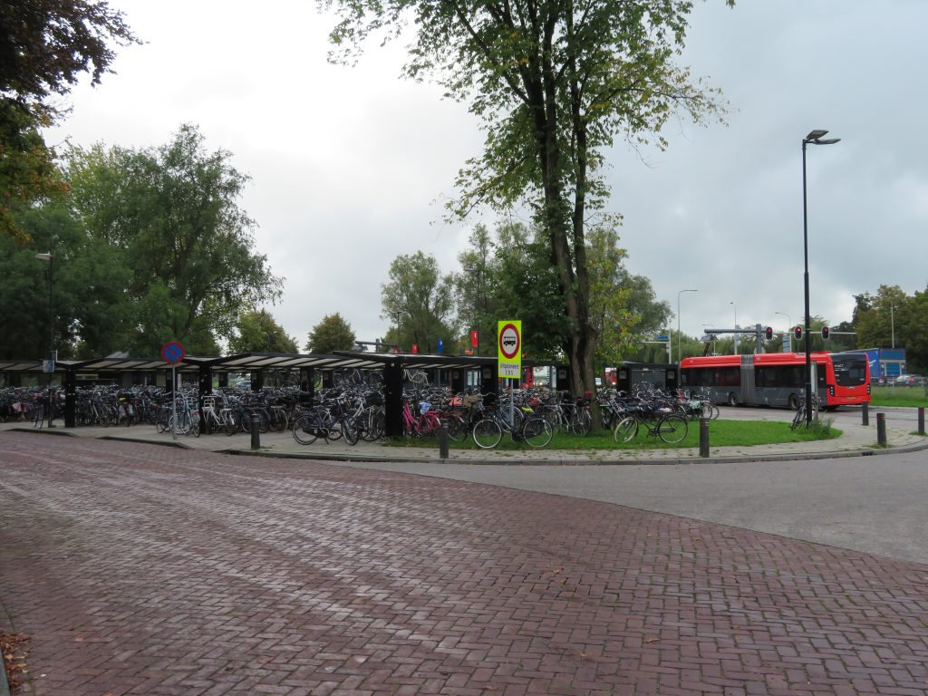 Edam bus stop Edam, Busstation netherlands day trip from amsterdam to volendam marken and edam