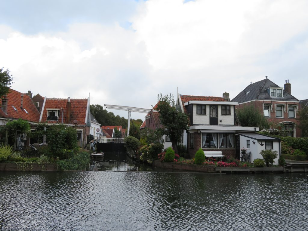 edam things to see and do day trip from amsterdam to volendam marken and edam itinerary