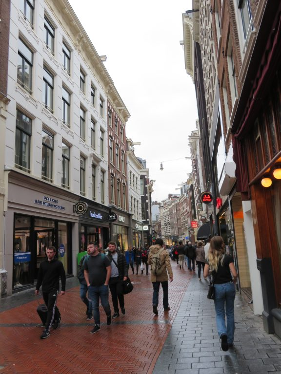 amsterdam laneways photo spots tips itinerary things to see and do first timers guide to amsterdam netherlands