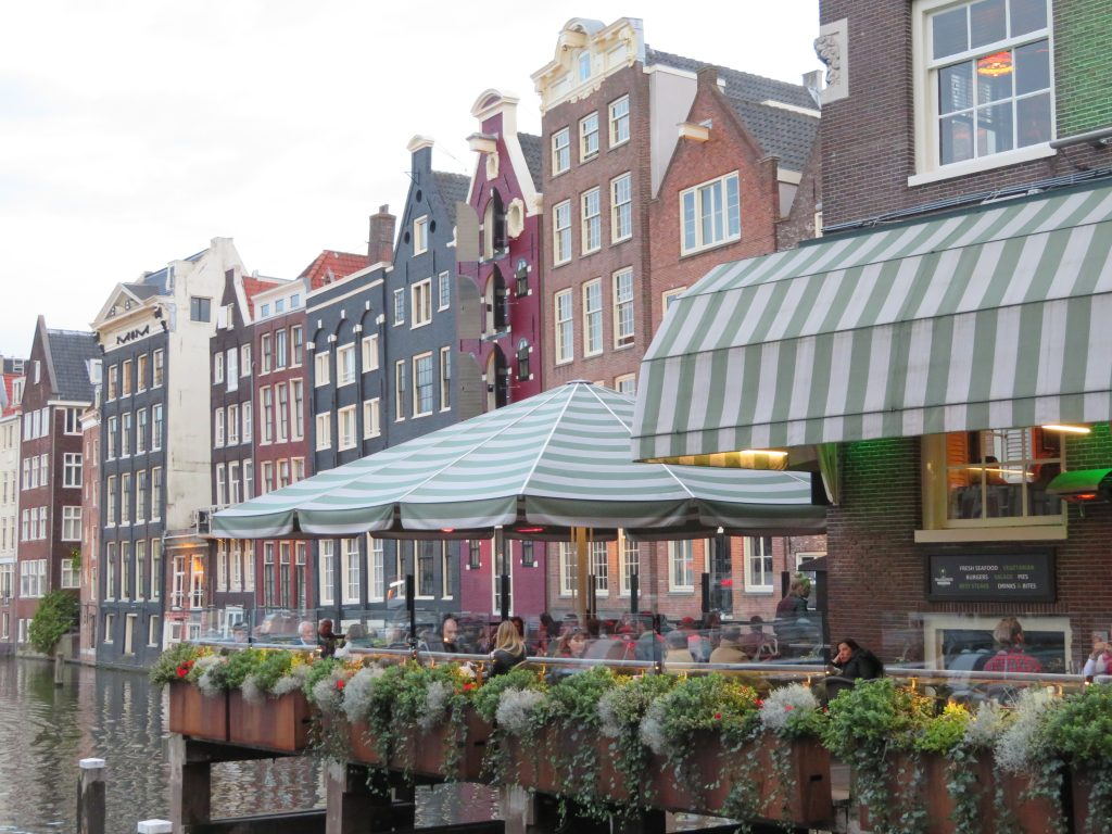 Damrack amsterdam harbour best photo spots things to see and do 5 day itinerary best places to photograph dutch architecture
