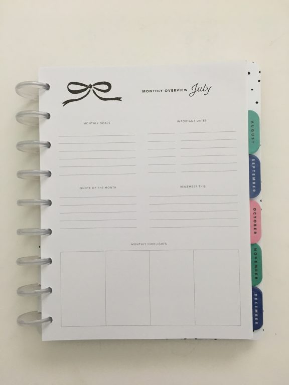 Maggie Holmes day to day planner discbound vertical weekly minimalist similar alternative to mambi happy planner floral_21