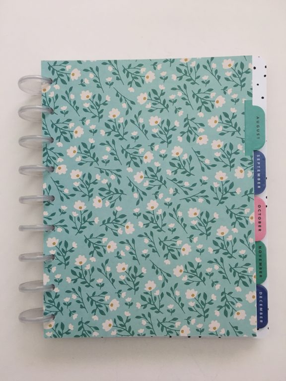 Maggie Holmes day to day planner discbound vertical weekly minimalist similar alternative to mambi happy planner floral_22