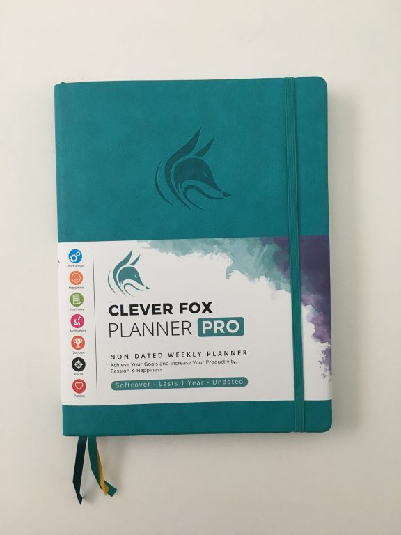 Clever fox pro weekly planner review affordable us letter page size functional layout goal planning bright white paper thick no ghosting video review_04