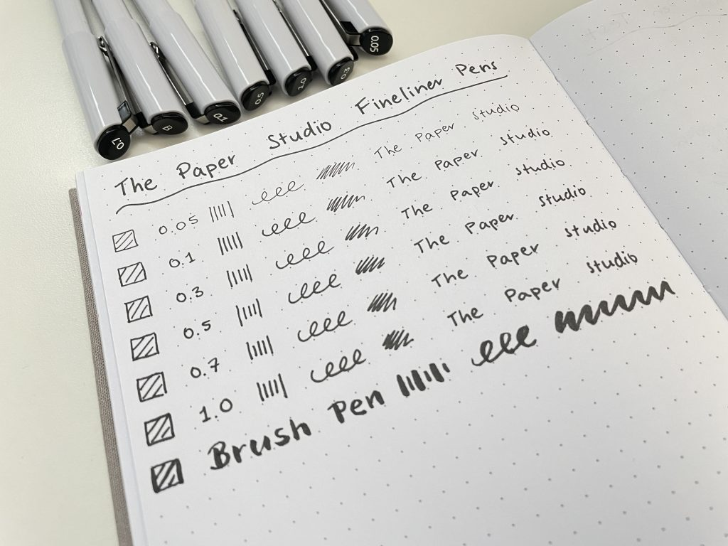 The paper studio fineliner pens brush 0.3 0.5 0.7 1.0 black different pen tips bullet journaling