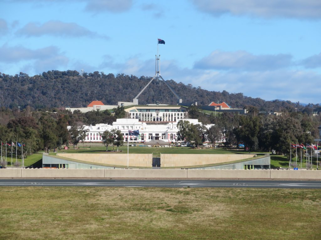 canberra photo spots things to see and do one day packed itinerary