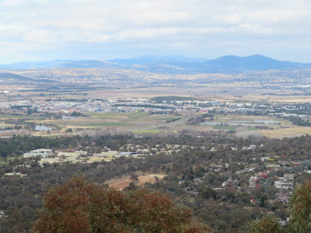 mount Ainslie canberra viewpoint free attraction best of canberra in one day itinerary winter things to see and do attractions photo spots