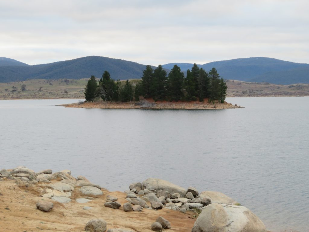 jindabyne things to see and do road trip from canberra to thredbo skiing